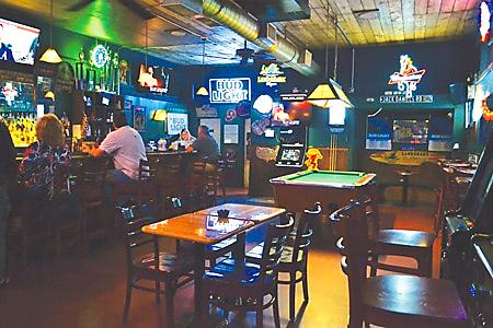 ipc-dive-bar-galveston-locals-favorite-tx-1