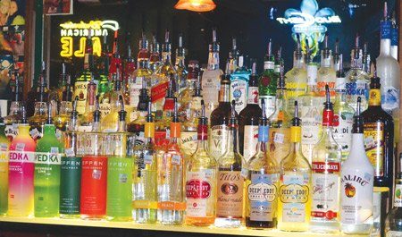 ipc-dive-bar-galveston-locals-favorite-tx-2